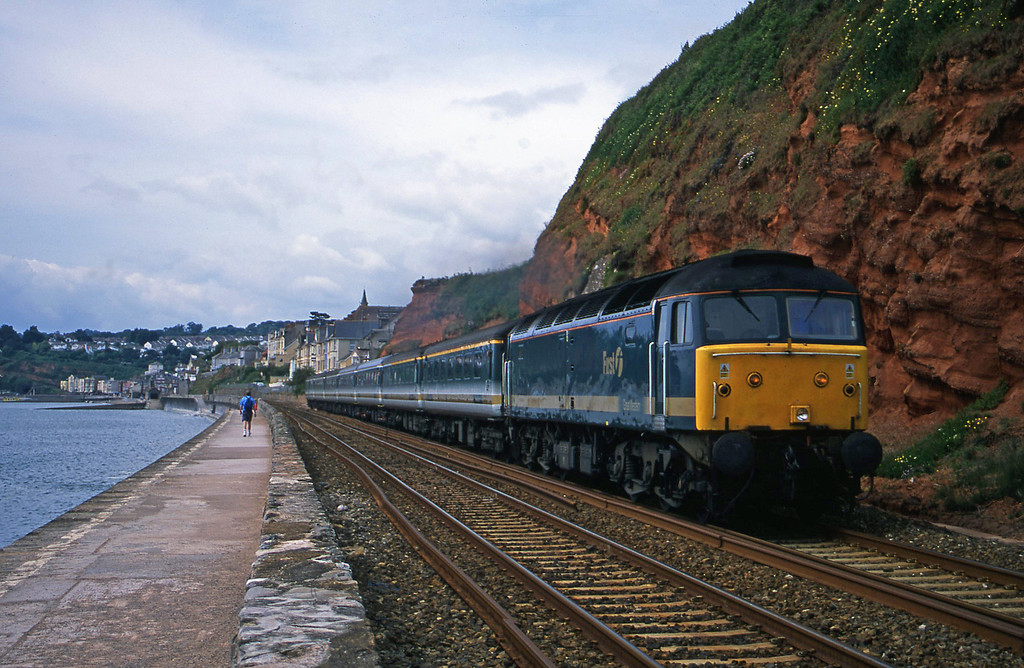 47811, 08.20 Penzance-London Paddington, Dawlish, 12-6-01.