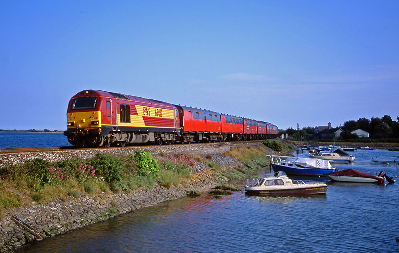 67012, 17.23 Plymouth-Low Fell, Cockwood Harbour, near Starcross, 4-6-01.