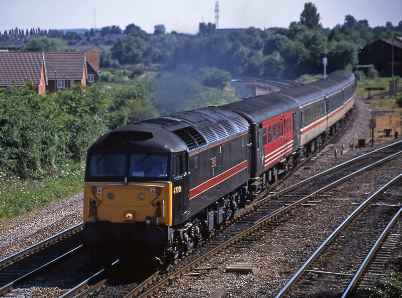 47701, 14.18 Bournemouth-Manchester Piccadilly, Didcot North Junction, 19-6-01.