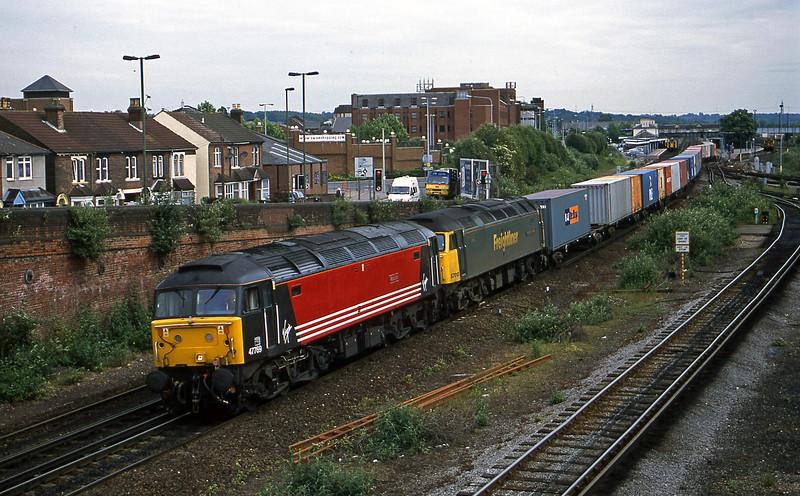 47769/57010, 05.17 Birmingham Lawley Street-Southampton, Eastleigh, 19-6-01.