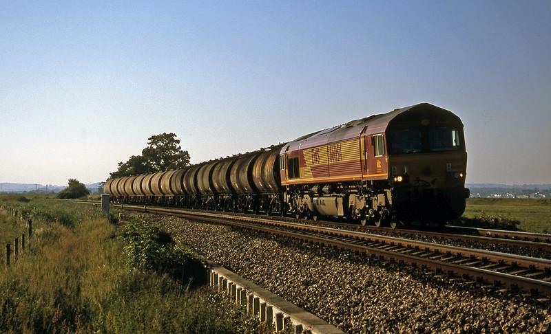 66054, 13.34 Fawley-Plymouth Tavistock Junction Yard, Powderham, near Exeter, 22-6-01.