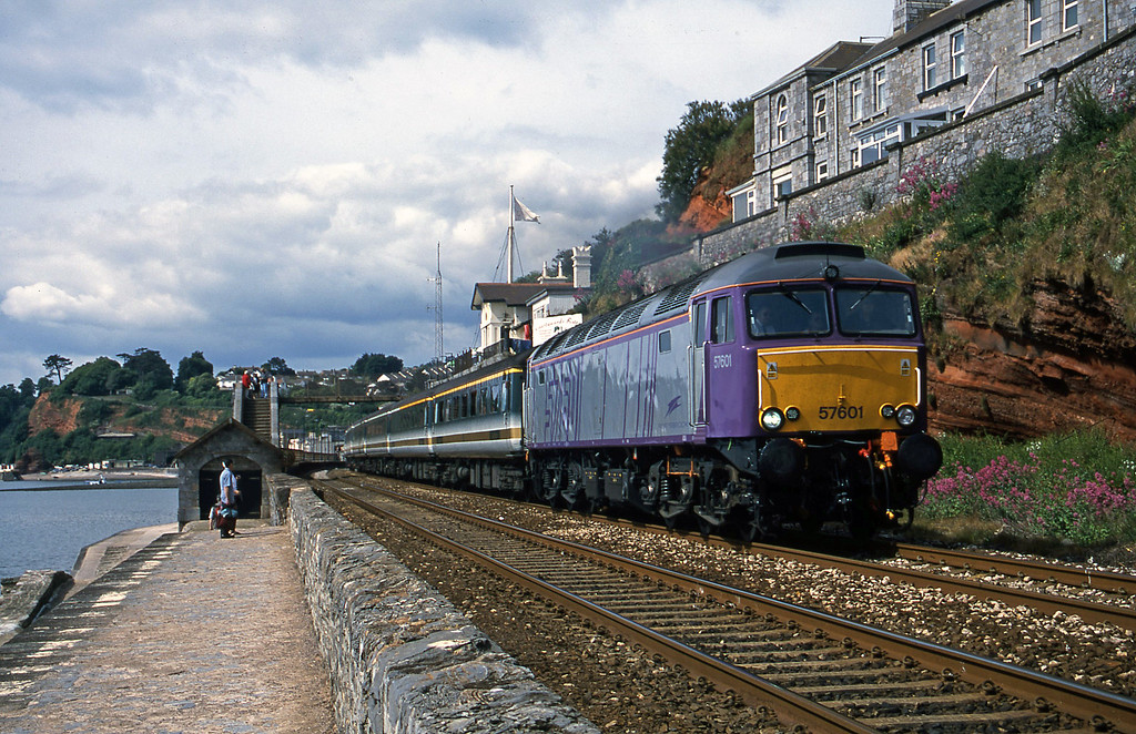 57601, 09.20 Plymouth-London Paddington, Dawlish, 12-6-01.