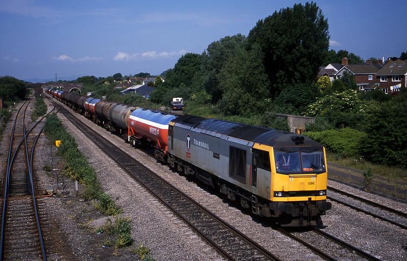 60096, 05.36 Robeston-Westerleigh, Magor, 5-6-01.