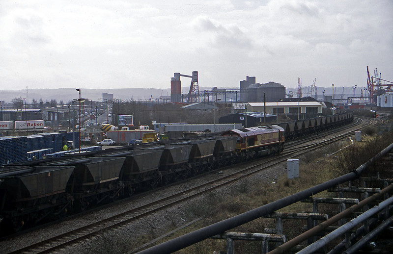 66029, down mgr empties, Hallen Marsh Junction, Avonmouth, 7-3-01.