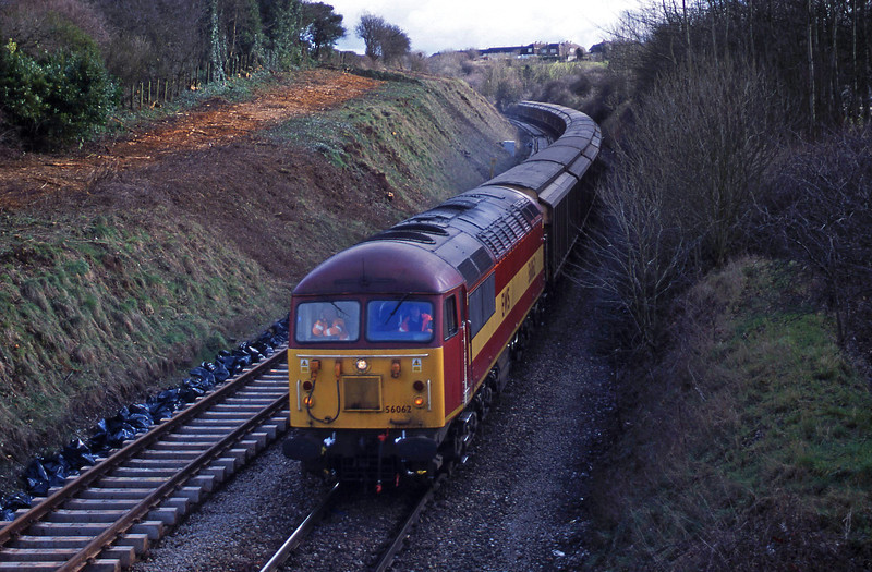 56062, 18.20 Middlesbrough-Avonmouth, Brentry, Bristol, 13-3-01.