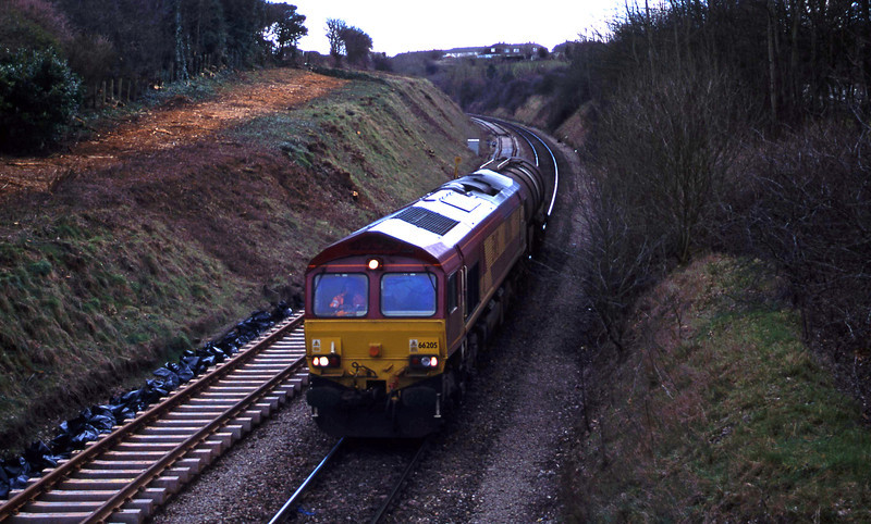 66205, down tank, Brentry, Bristol, 13-3-01.