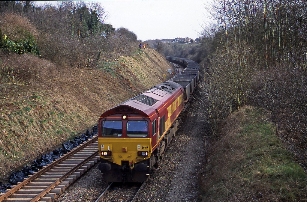66167, down mgr empties, Brentry, Bristol, 6-3-01.