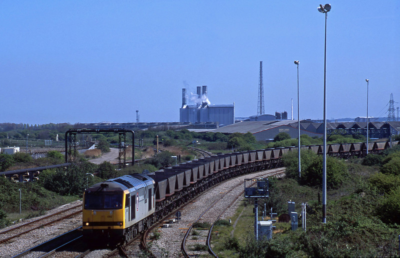60092, Didcot Power Station-Avonmouth Bulk Handling Terminal, Hallen Marsh Junction, Avonmouth, 8-5-01.