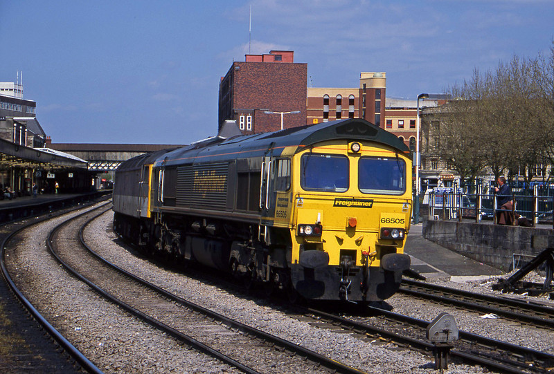 66505/47287, down light, Newport, 8-5-01.
