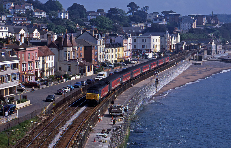 47831, 06.05 Derby-Plymouth, Dawlish, 15-5-01.