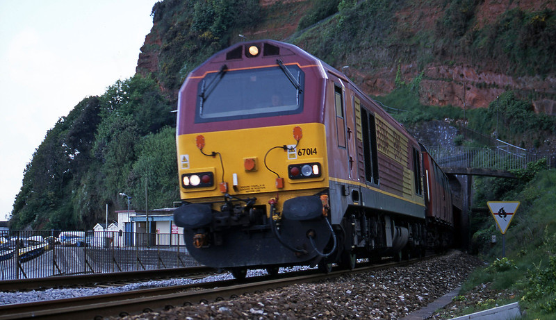 67014, 17.23 Plymouth-Low Fell, Dawlish, 16-5-01.