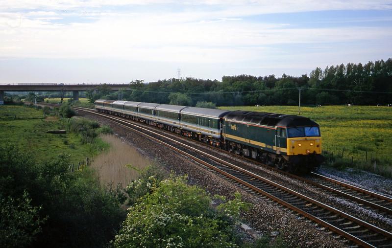 47832, 16.33 London Paddington-Plymouth, Exminster, near Exeter, 29-5-01.