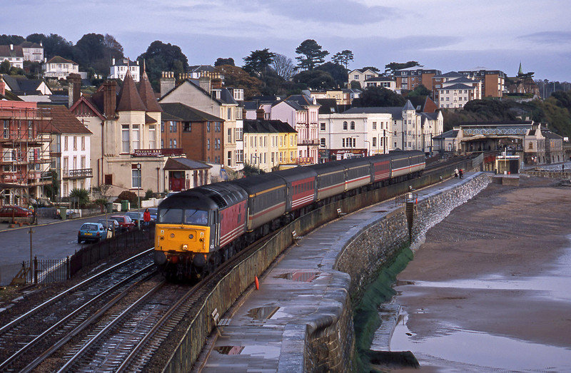 47848, 06.05 Derby-Plymouth, Dawlish, 28-11-01.