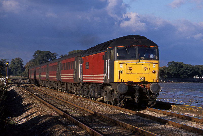 47817, 09.13 Liverpool Lime Street-Plymouth, Powderham, near Exeter, 13-11-01.