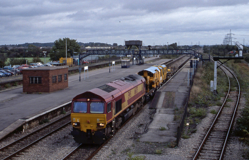 66075, 10.42 Westbury-Newport Alexandra Dock Junction, Severn Tunnel Junction, 2-10-01.