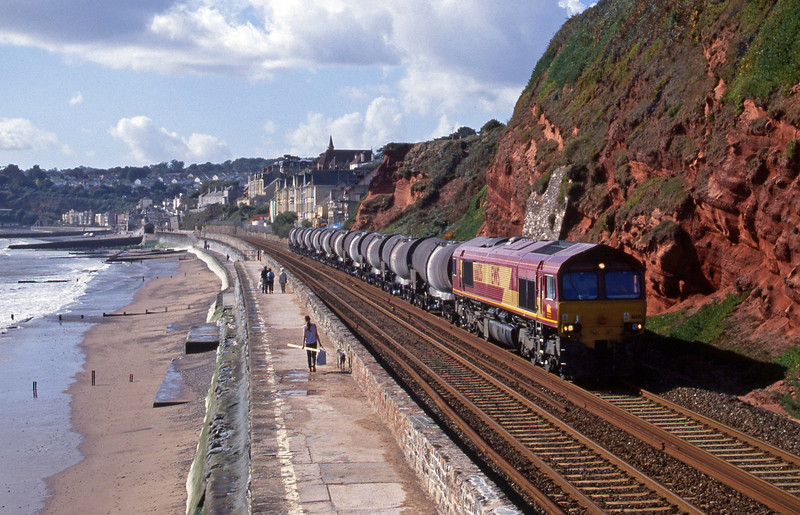 66135, 09.40 Burngullow-Irvine, Dawlish, 3-10-01.