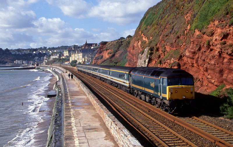 47811, 08.20 Penzance-London Paddington, Dawlish, 3-10-01.