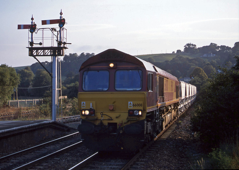 66008, up clays, Lostwithiel, 18-9-01.