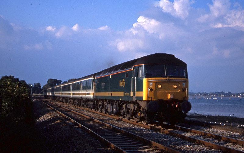 47816, 14.33 London Paddington-Plymouth, Powderham, near Exeter, 25-9-01.