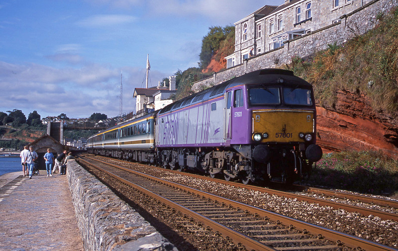 57601, 09.30 Plymouth-London Paddington, Dawlish, 7-9-01.