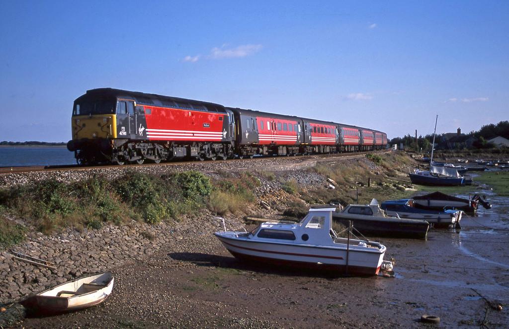 47741, 15.50 Plymouth-Leeds, Cockwood Harbour, near Starcross, 17-9-01.