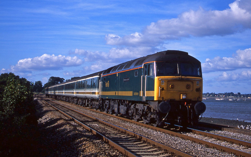 47815, 14.33 London Paddington-Plymouth, Powderham, near Exeter, 4-9-01.