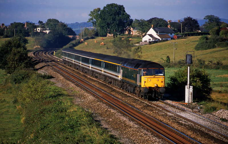 47813, 07.30 Plymouth-London Paddington, Rewe, near Exeter, 2-9-01.