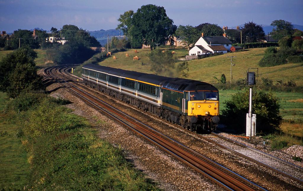 47813, 07.30 Plymouth-London Paddington, Rewe, near Exeter, 2-9-01.
