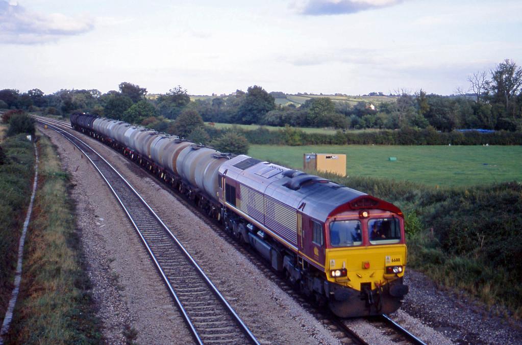66118, 13.34 Fawley-Plymouth Tavistock Junction, Creech St Michael, near Taunton, 14-9-01.