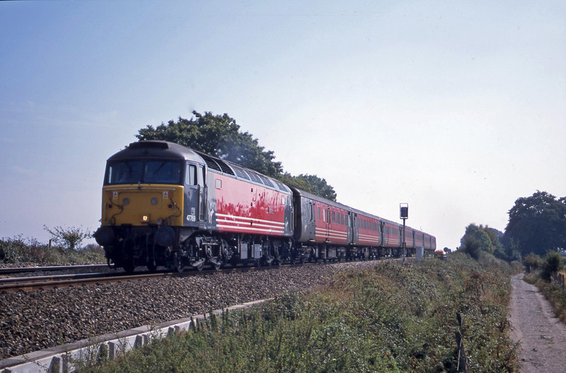 47769, 11.50 Plymouth-Liverpool Lime Street, Powderham, near Exeter, 25-9-01.