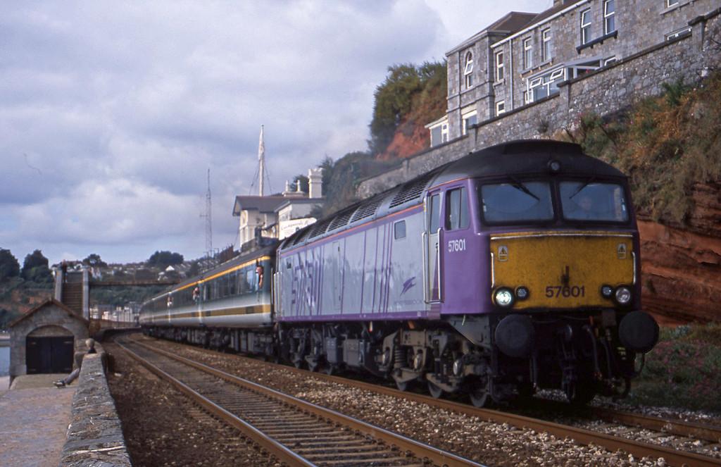 57601, 09.30 Plymouth-London Paddington, Dawlish, 10-9-01.