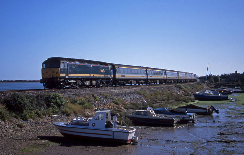 47811, 11.40 Penzance-London Paddington, Cockwood Harbour, near Starcross, 29-9-01.