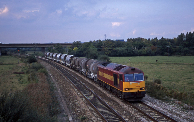 60024, 08.57 Cliffe Vale-St Blazey, Exminster, near Exeter, 24-9-01.
