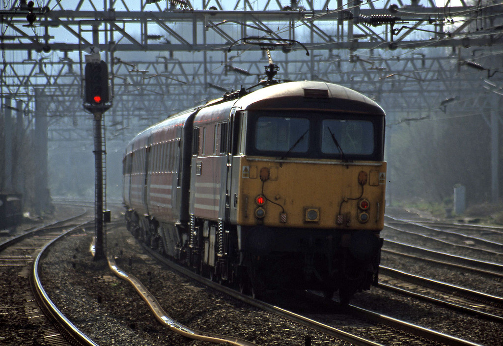 87024, 09.45 Liverpool Lime Street-London Euston, Rugeley Trent Valley, 3-4-02.