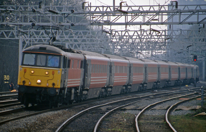 86259, 10.55 London Euston-Manchester Piccadilly, Rugeley Trent Valley, 10-4-02.
