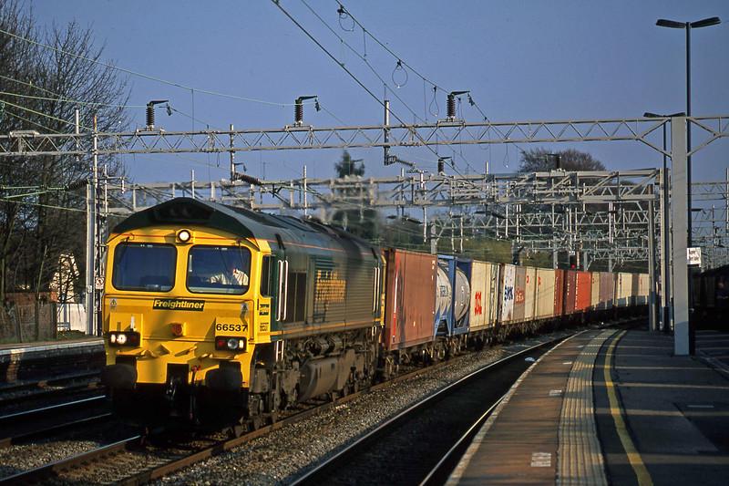 66537, down Freightliner, Rugeley Trent Valley, 3-4-02.