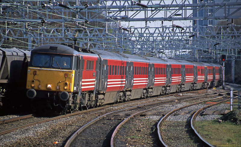 87030, London Euston-Manchesetr Piccadilly, Rugeley Trent Valley, 3-4-02.