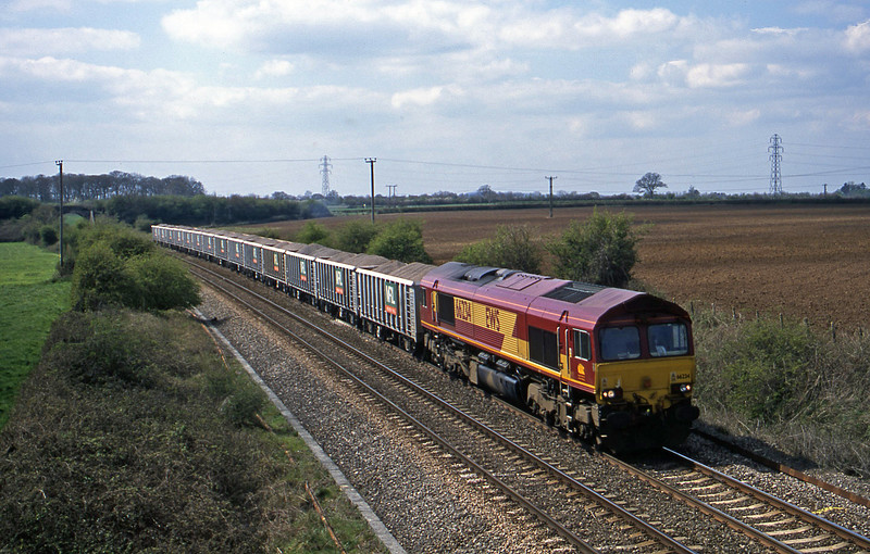 66234, 13.05 Merehead Quarry-Purfleet, Berkley Marsh, near Frome, 16-4-02.