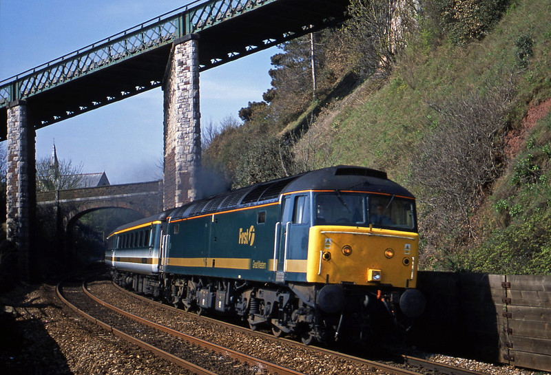 47811, 08.20 Penzance-London Paddington, Teignmouth, 9-4-02.