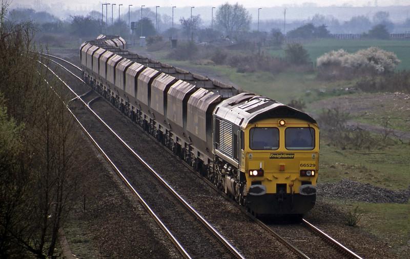 66529, down mgr empties, Wychnor Junction, Catholme, near Burton-on-Trent, 3-4-02.