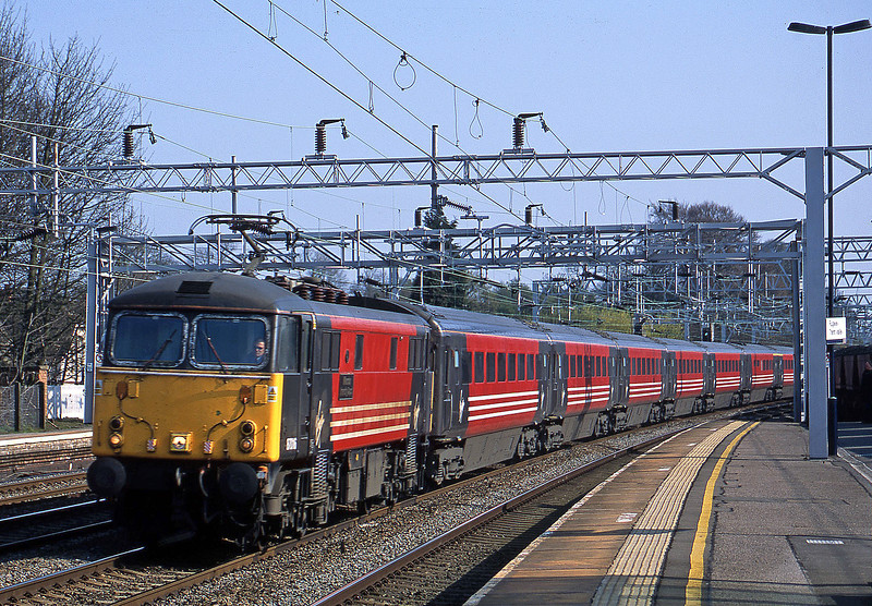 87016, London Euston-Manchester Piccadilly, Rugeley Trent Valley, 10-4-02.