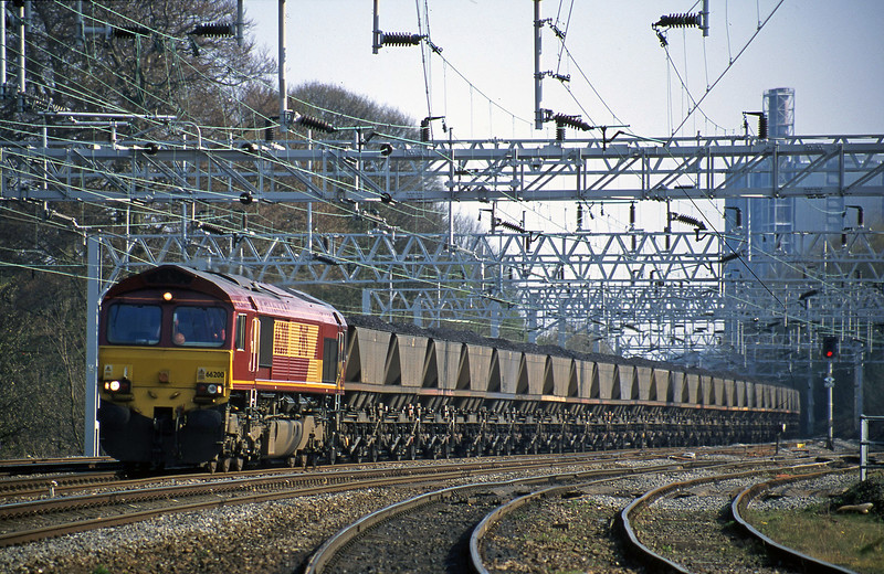 66200, down to Rugeley Power Station, Rugeley Trent Valley, 10-4-02.