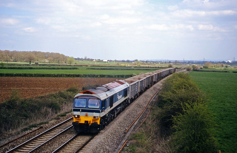 59104, 11.48 Fareham-Merehead Quarry, Berkley Marsh, near Frome, 16-4-02.