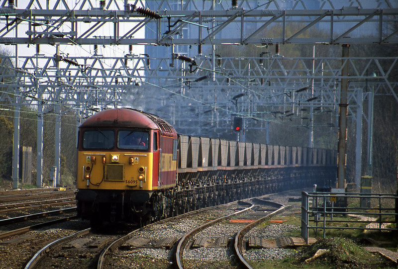 56095, down mgr empties from Rugeley Power Station to Stoke line, Rugeley Trent Valley, 10-4-02.