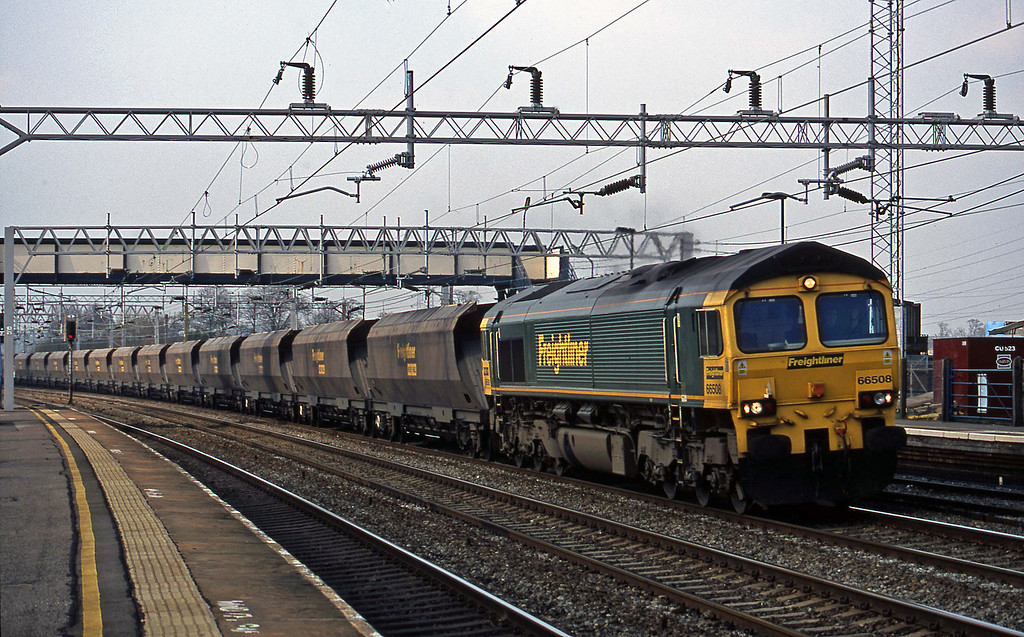 66508, up mgr empties, Rugeley Trent Valley, 3-4-02.