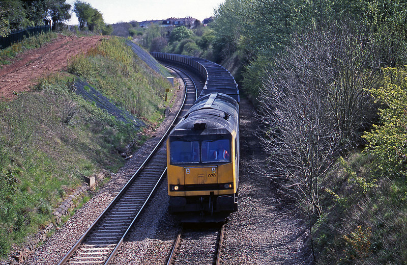 60079, down mgr empties, Brentry, Bristol, 15-4-02.