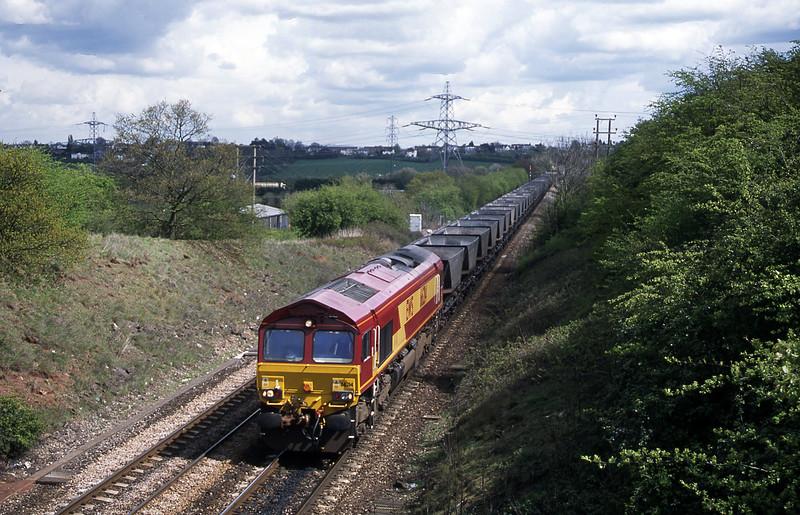 66214, down mgr empties, Stoke Gifforsd, Bristol, 18-4-02.
