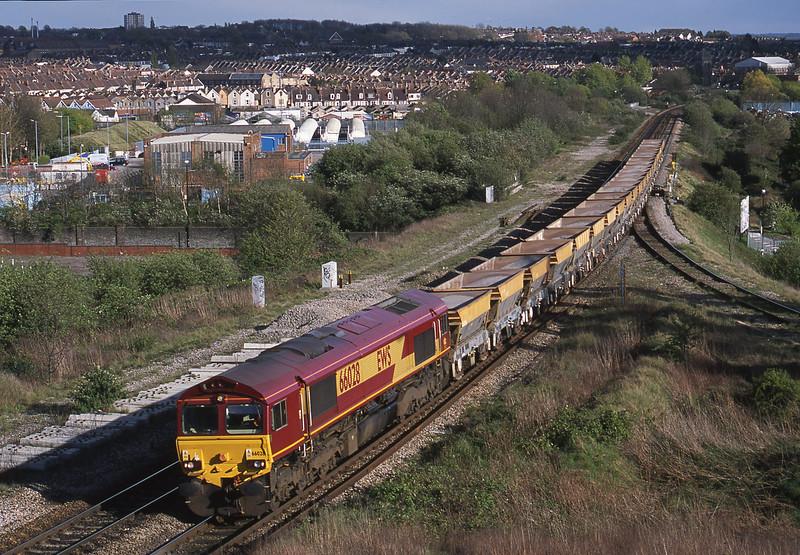 66028, down stone empties, Narroways Hill Junction, Bristol, 18-4-02.