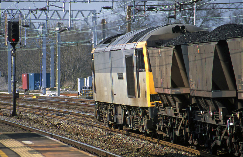 60046, down to Rugeley Power Station, Rugeley Trent Valley, 3-4-02.