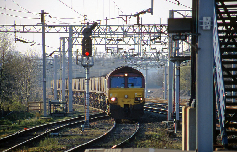 66012, 07.24 Ayr-Rugeley Power Station, Rugeley Trent Valley, 10-4-02.